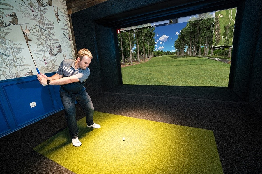 Train at Home Like a Professional with a Golf Simulator Installation